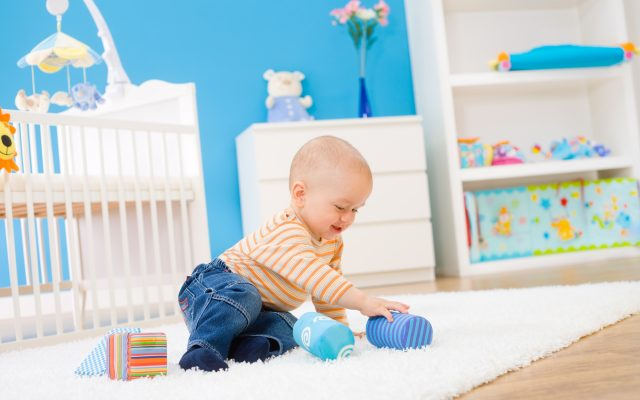 Mikortól szabad felültetni a babát?