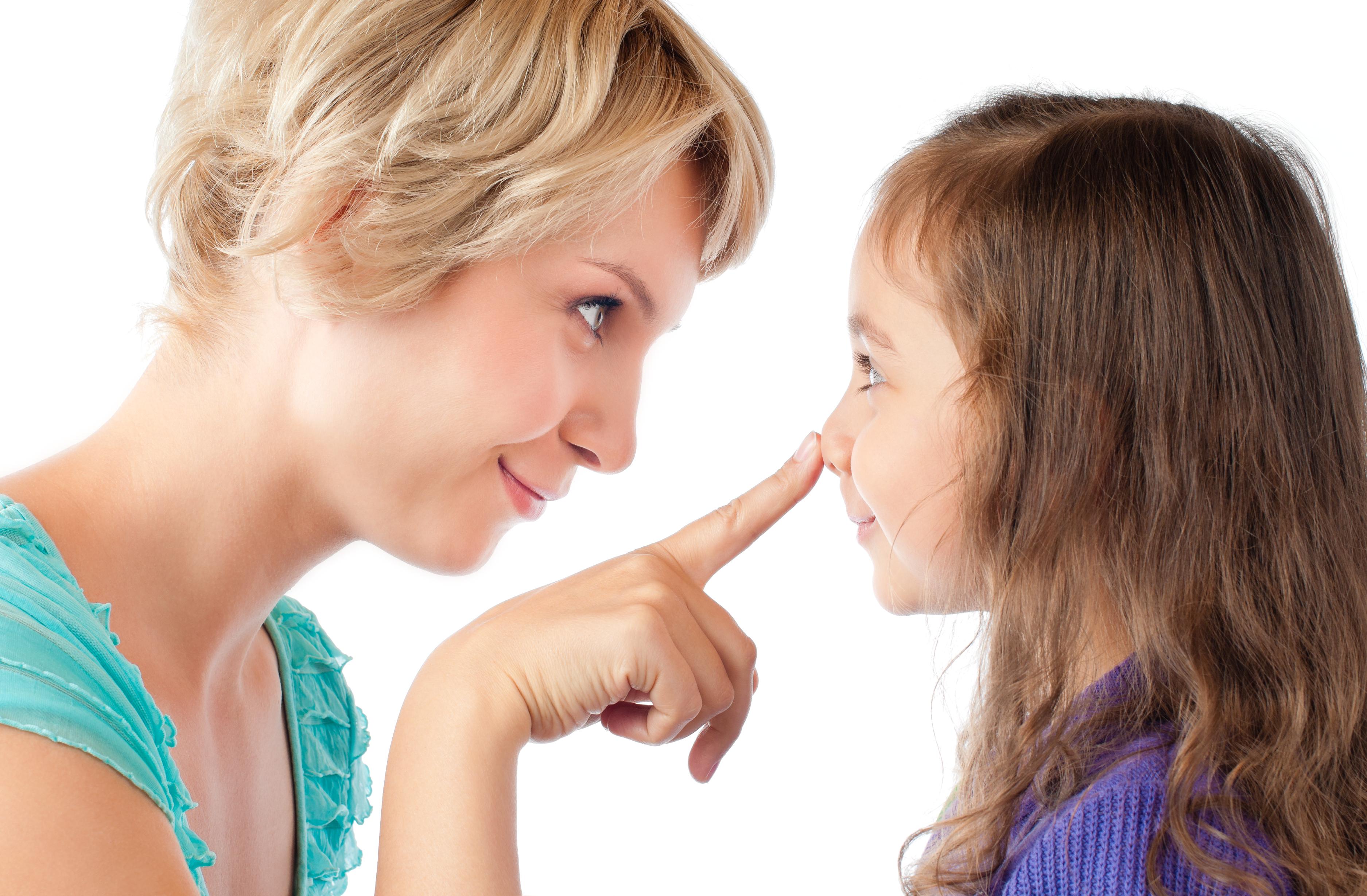 Az orrfújás alapja, hogy a gyermek ismerje az orrát, tudja, hogy mire való és hogyan működik