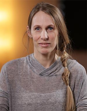 A jóga nálunk: a SzuperAnyuka Egészségtornák hasfal- és gátizomkímélő jógagyakorlatait Májer Amanda jógaoktató és jógapszichológus segítségével dolgoztuk ki